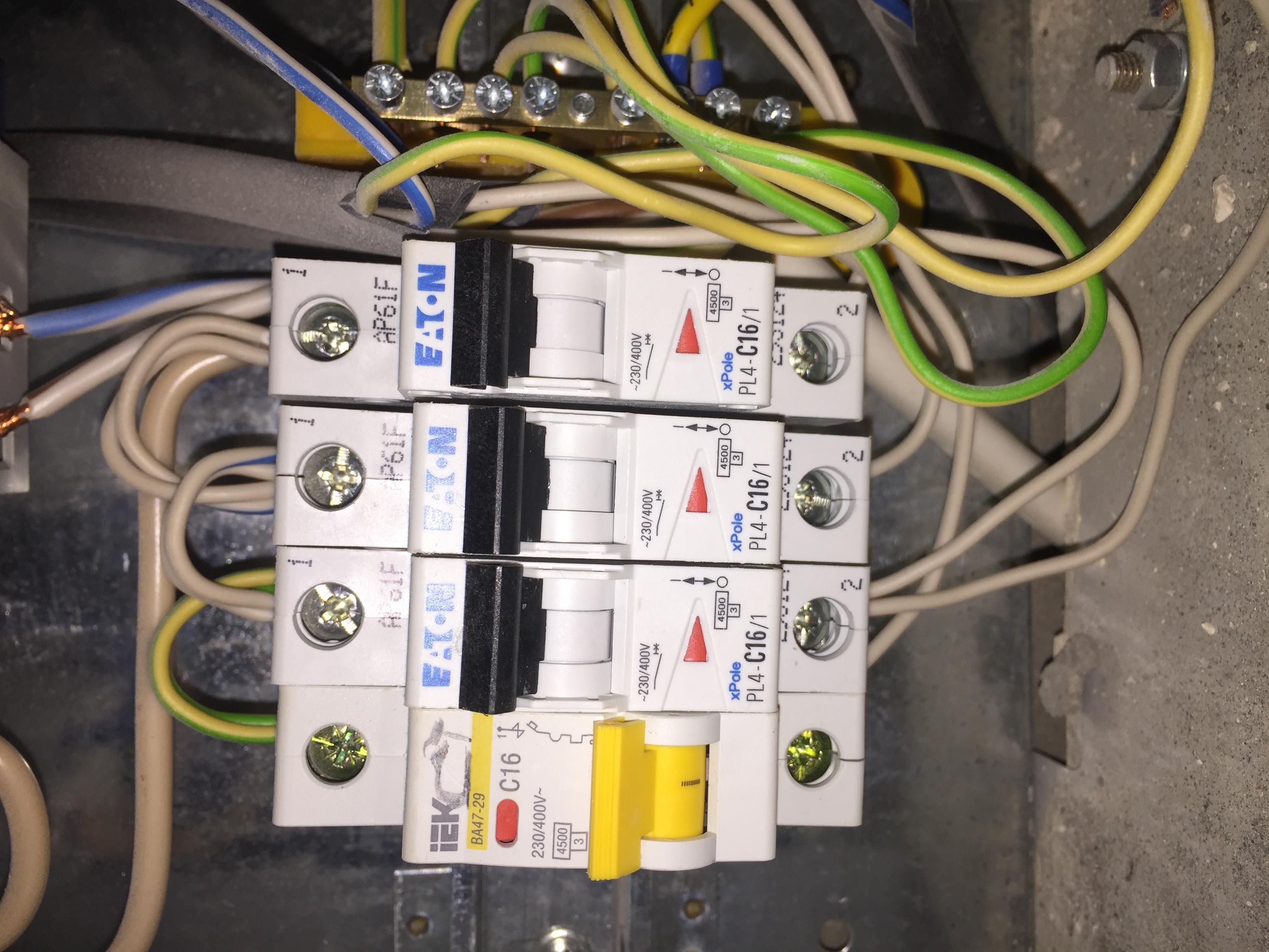 Электрики, вопрос к вам!